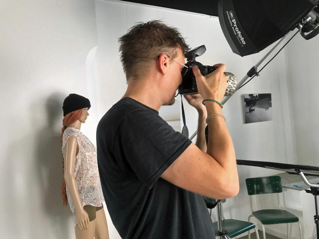Stephen Petrat beim Fotoshooting
