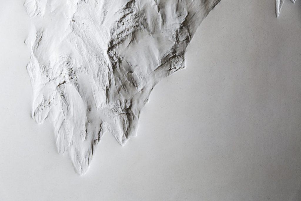 Ausstellungsdokumentation: Kunst in Weiß fotofgrafiert von Kunstfotgraf Stephen Petrat