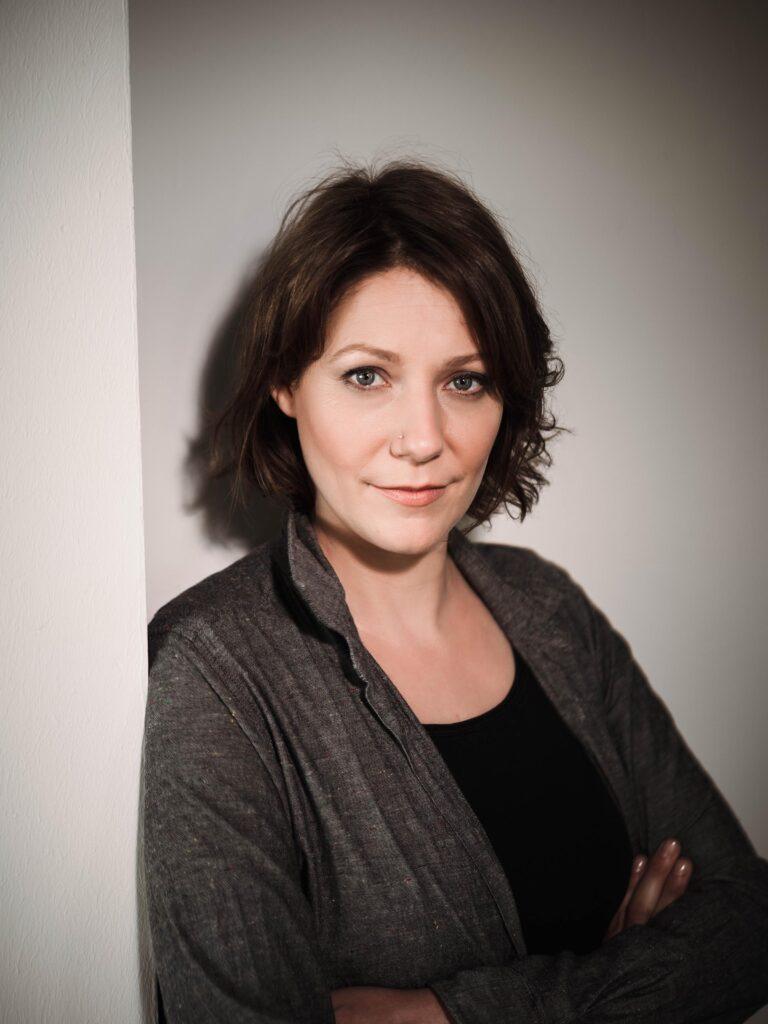Schauspielerin Stephanie Meisenzahl im Studio bei Stephen Petrat